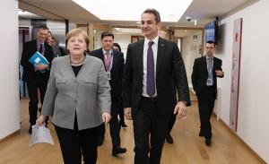 Επαφές Μητσοτάκη στη Σύνοδο για τον προϋπολογισμό της ΕΕ