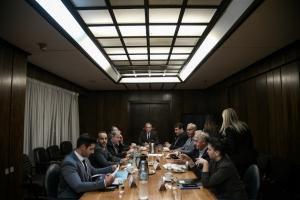 Διακομματική: Λευκός καπνός» για την ψήφο των αποδήμων