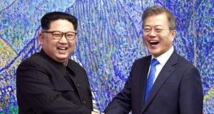 Συνάντηση Κιμ Γιονγκ Ουν - Μουν Τζε-Ιν