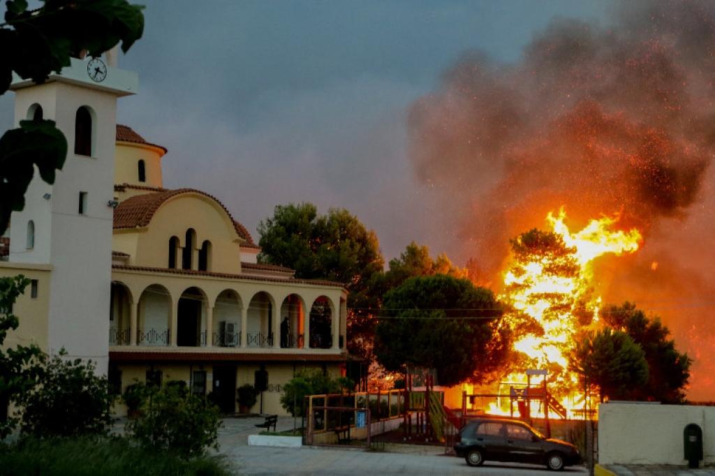 Αποτέλεσμα εικόνας για φωτιες αθηνα