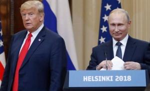 O Τραμπ λέει ότι εμπιστεύεται τον Πούτιν πιο πολύ από το FBI και αναστατώνει την Αμερική