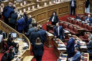 Βουλή: Συνεχίζεται η κόντρα για τον τρόπο εκλογής του ΠτΔ