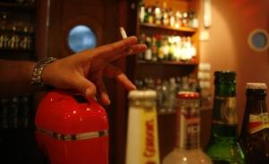 Ο Ρέμος διαμορφώνει την παράσταση νίκης του αντικαπνιστικού νόμου