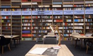 Public - Ανοικτά για επίσκεψη χωρίς ραντεβού τα βιβλιοπωλεία και το τμήμα χαρτικών