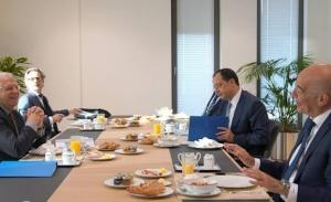 Η ΕΕ  εξετάζει κυρώσεις αλλά και διερευνά τρόπους για μείωση των εντάσεων με την Τουρκια