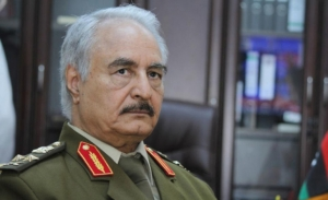 DW: Ο στρατηγός Χάφταρ και ο «μύθος» της σταθερότητας