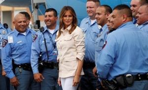 Η Μελάνια αμφισβητεί την πολιτική Τραμπ για χωρισμό των οικογενειών των μεταναστών