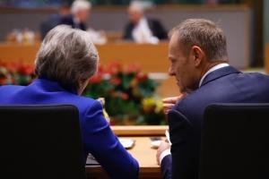 Έκτακτη σύνοδος για το Brexit συγκαλεί την Πέμπτη ο Τουσκ
