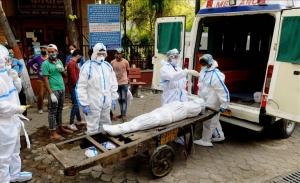 Πάνω από 200.000 νεκρούς λόγω covid19 μετρά η Ινδία