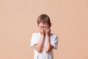 Διαταραχές Αυτιστικού Φάσματος: Τα συμπτώματα ανά ηλικία