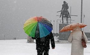 Πως υποδέχτηκαν οι έλληνες διάσημοι τα χιόνια