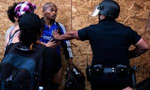 Σοκαρισμένη η Ευρώπη από την «υπερβολική χρήση βίας» στις ΗΠΑ