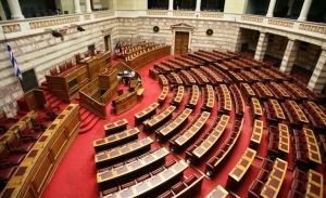 Η κυβέρνηση αναδεικνύει ότι ο ΣΥΡΙΖΑ δεν ψήφισε μείωση των εισφορών - Ηταν ψίχουλα απαντά ο ΣΥΡΙΖΑ