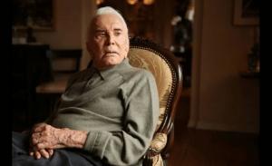Πέθανε ο Κερκ Ντάγκλας σε ηλικία 103 ετών