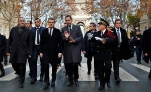 Ο Μακρόν απαντά στα  «Κίτρινα Γιλέκα» με διάγγελμα στο γαλλικό λαό