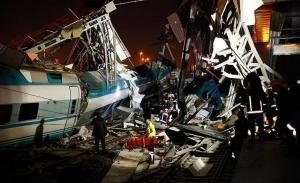 Σιδηροδρομικό δυστύχημα με επτά νεκρούς στην Άγκυρα