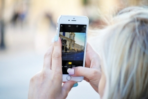 Instagram: Από τα… φίλτρα των influencers στις συγκινητικές εξομολογήσεις
