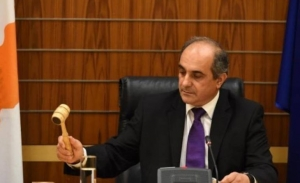 Ο πρόεδρος της κυπριακής βουλής παραιτήθηκε για τις