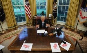 Μόνος στον Λευκό Οίκο