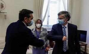 Ο Τσίπρας καλεί τους πολίτες να τηρούν τα μέτρα προστασίας- Vertigo βλέπει η κυβέρνηση