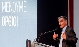 Τσακαλώτος: Ο Σταϊκούρας παραδέχτηκε ότι το πρόγραμμά μας βγαίνει