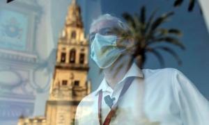 Σε δεκαήμερο πένθος η Ισπανία για τους νεκρούς του κορονοϊού