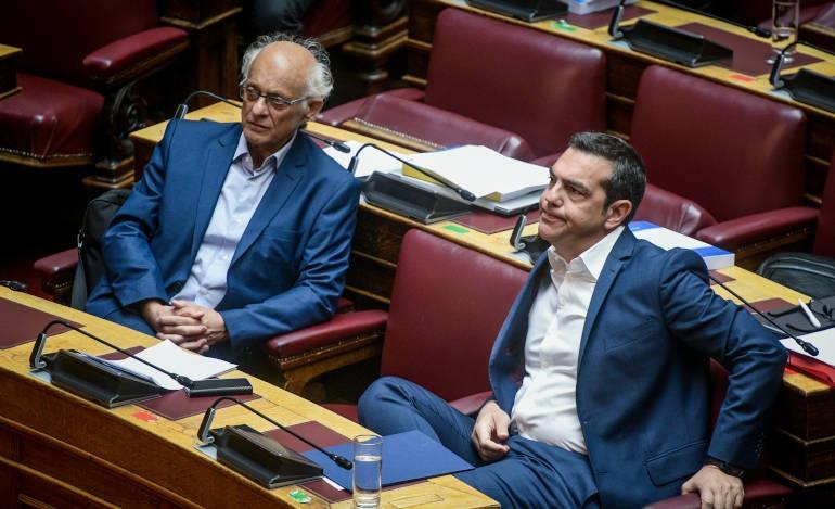 Διαφωνίες στον ΣΥΡΙΖΑ για την ταύτιση με Βαξεβάνη στο «πόθεν έσχες» Μητσοτάκη
