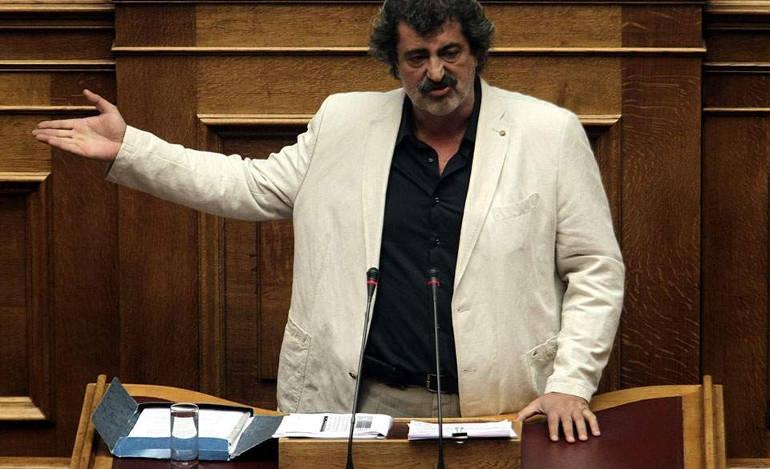 Ο Πολάκης επανήλθε με μεταμεσονύκτιες απειλές κατά Στουρνάρα