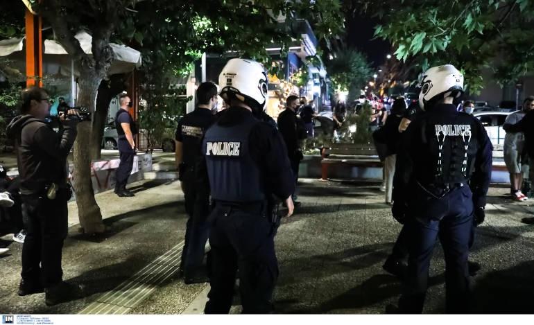 Από την Πλατεία Βαρνάβα ξεκίνησαν οι επιχειρήσεις της ΕΛΑΣ κατά των μεταμεσονύκτιων συνωστισμών