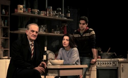 Είδαμε την παράσταση «Ο Φεγγίτης», στο θέατρο Εμπορικόν
