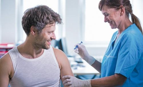 Δεν παίζουμε με την υγεία μας, εμβολιαζόμαστε