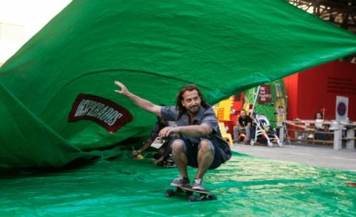 To Surf Art Festival επιστρέφει για 5η χρονιά και... κατεβαίνει παραλία
