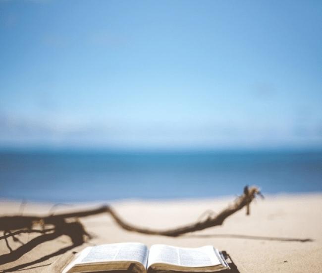 Οκτώ βιβλία για τις διακοπές μας