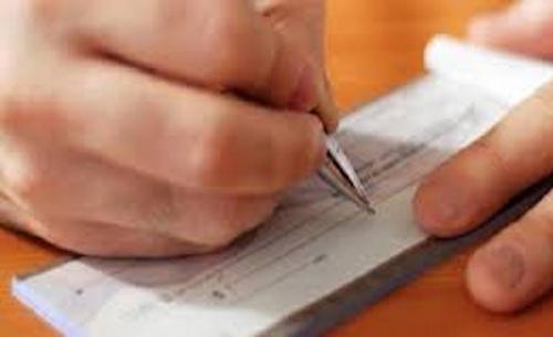 Παράταση στις πληρωμές επιταγών και νέα επιστρεπτέα προκαταβολή προανήγγειλε ο Σταϊκούρας