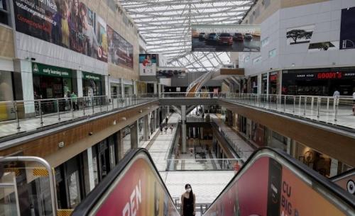 Άνοιγμα για εμπορικά κέντρα και φροντιστήρια, θα προτείνει ο Γεωργιάδης