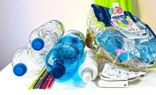 Παγκόσμια έκθεση WWF για τη ρύπανση από τα πλαστικά