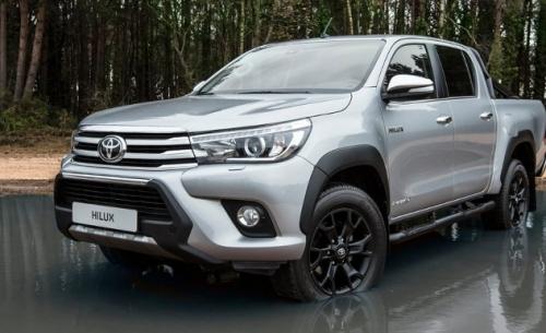 To Toyota Hilux πενηντάρισε (Video)
