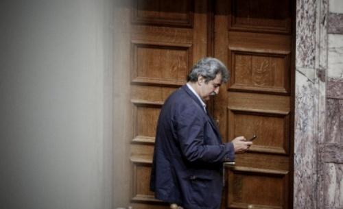 Ο Πολάκης μαγνητοφώνησε τηλεφώνημα με Στουρνάρα: «Να ελέγξετε και τα άλλα δάνεια»
