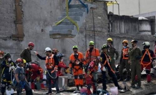 Νέος ισχυρός σεισμός 6,1 ρίχτερ στην πόλη του Μεξικού