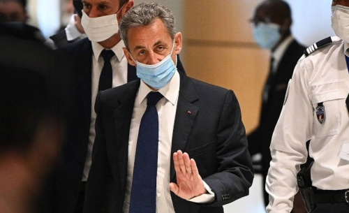 Καταδικάστηκε για διαφθορά ο Σαρκοζί