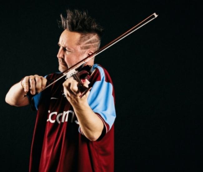 Ο βιολονίστας Nigel Kennedy σήμερα στο Ηρώδειο