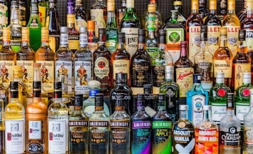 Παράταση στην καταβολή των φόρων για τα αλκοολούχα