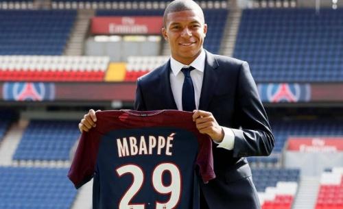 Ο Μπαπέ θα  γίνει 20 χρονών στο Παρίσι