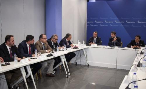Μητσοτάκης: Μείωση φόρων και ασφαλιστικών εισφορών για αυτοαπασχολούμενους