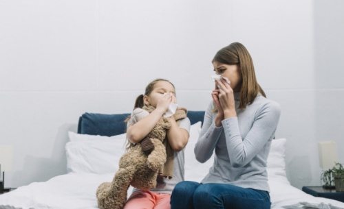 Ένας στους τέσσερις Έλληνες ταλαιπωρείται από αλλεργίες
