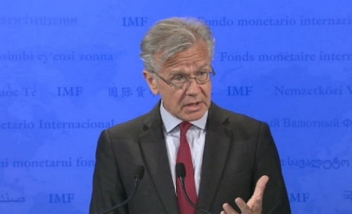 Επιμένει το ΔΝΤ για την περικοπή των συντάξεων