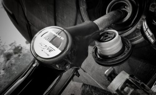 Η ΡΑΕ εισηγείται πλαφόν στις τιμές των καυσίμων σε 17 νομούς