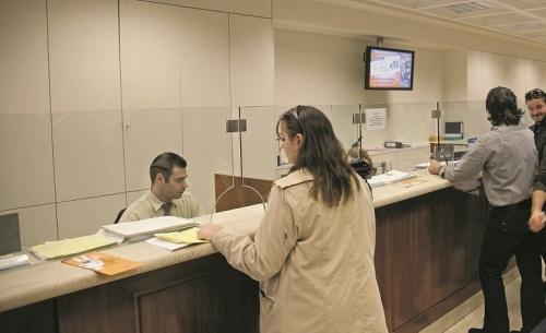 Τράπεζες: Η νέα σύμβαση έφερε και… μείωση του ωραρίου συναλλαγών