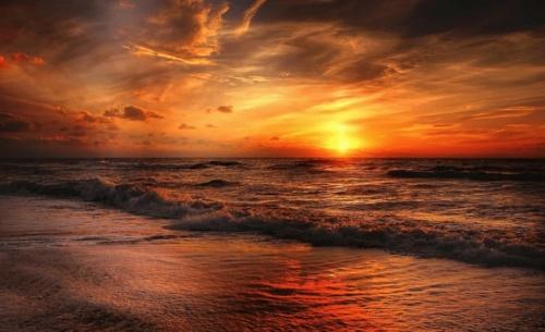Καλοκαίρι στην Ελλάδα σημαίνει μαγικό ηλιοβασίλεμα