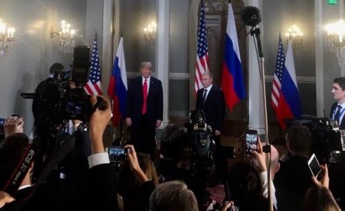 «Κωλοτούμπα» Τραμπ: Υπήρξε ρωσική ανάμειξη στις εκλογές αλλά δεν επηρέασε την εκλογή μου